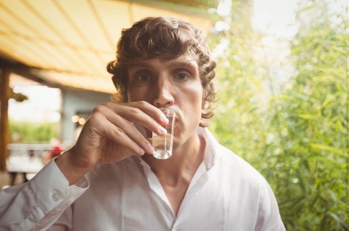 Como fazer uma pessoa parar de beber pinga?