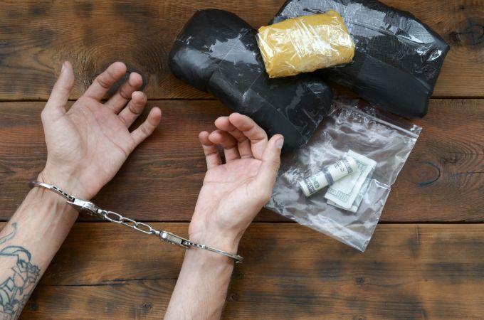 Qual é a pena por tráfico de drogas? Existe fiança?