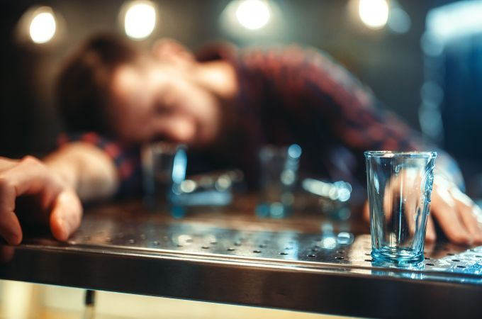 As bebidas alcoólicas que mais deixam com ressaca