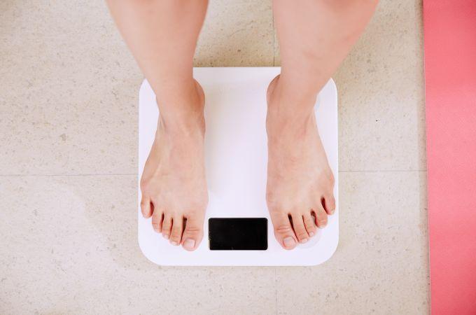 Com quantos quilos uma pessoa é considerada obesa?